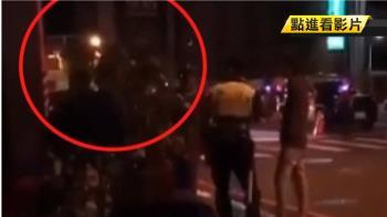 夜襲連千毅左營公司!2男「刷漢堡」遭警壓制