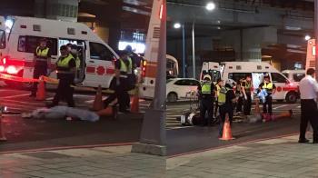板橋傳重大車禍!50歲女騎士撞公車 遭輾爆頭慘死
