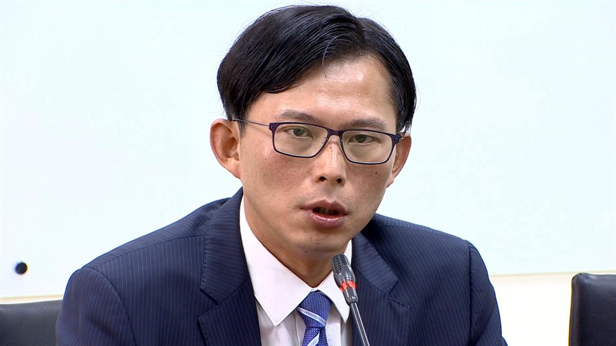助理飆罵官員:你給我站著!黃國昌親上火線道歉