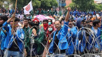 印尼國會擬禁同居婚前性行為 大學生上街抗議