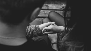 30歲弟遇初戀 大8歲女友住進家!網推4招反擊
