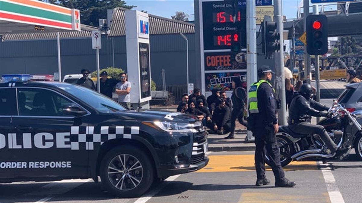 離墨爾本景點超近!澳洲男身綁炸彈 警方急逮人