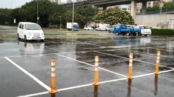 米塔橫掃…車停哪?亂停紅黃線小心吃罰單
