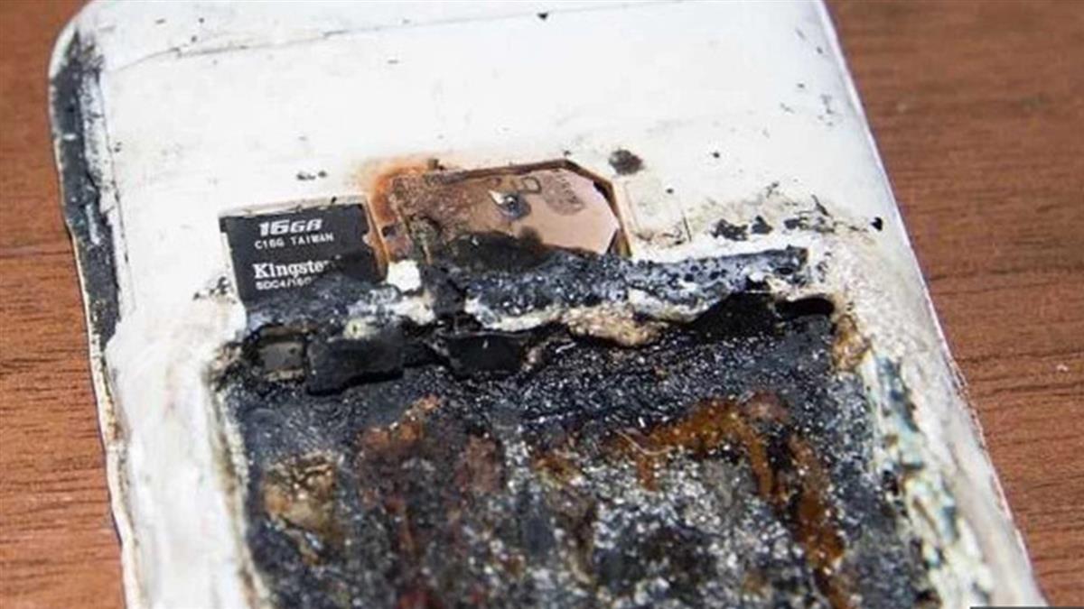 手機充電突爆炸!14歲少女睡覺 頭被炸爛慘死