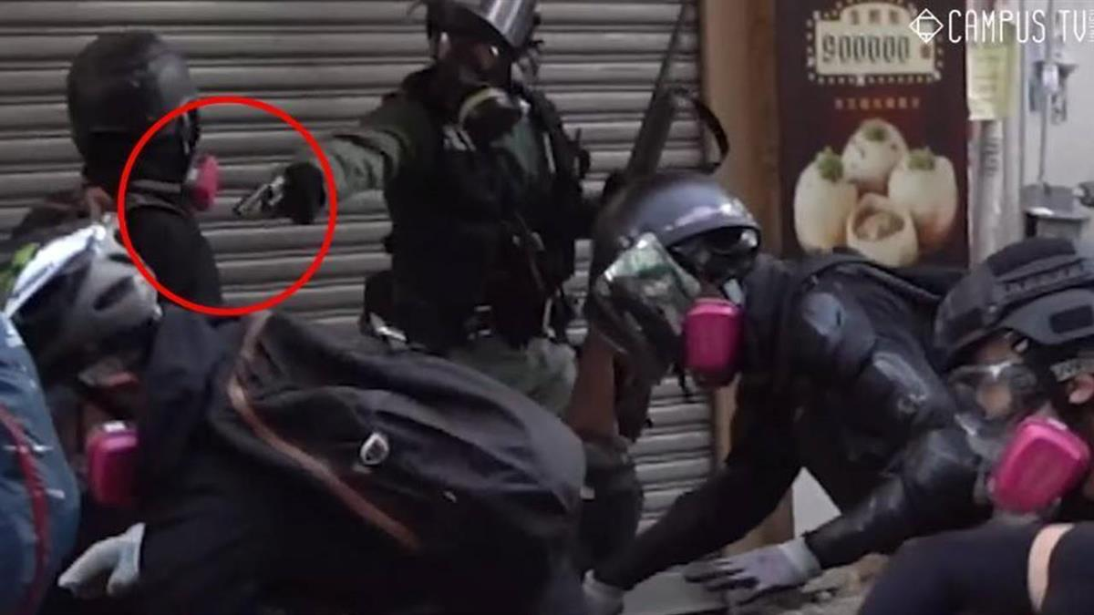 鐵證影片曝光!港警真開槍 17歲學生胸部中彈危急