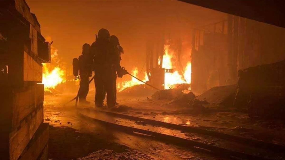 消防員千字血淚痛訴「我們不想死」 網飆淚