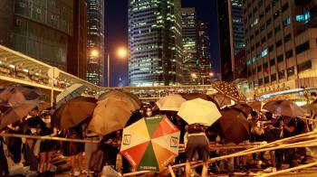 六七暴動釀57人亡!香港隔52年再引緊急法