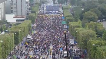 韓法務部長特權爭議 支持反對兩派人馬都上街
