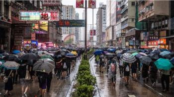 香港抗議持續 中國指責的「顏色革命」有何先例
