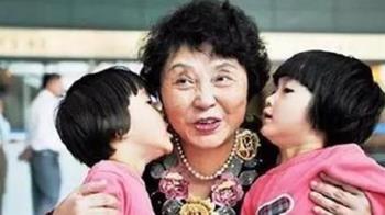 拚死生下雙胞胎!6旬媽奔波籌錢 網罵爆