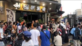 台式炸雞紅遍新加坡!成夜市小吃界霸主