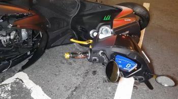 三重死亡車禍!轎車疑闖紅燈 18歲騎士頭重摔亡