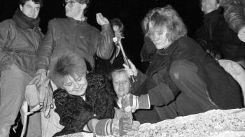 柏林牆週年:前東德領導人說冷戰從未結束過