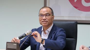 代理市長首日 葉匡時臉書貼文批媒體罵名嘴