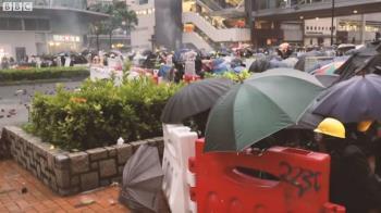 香港示威黑衣人:我是「勇武派」中的一名「和理非」