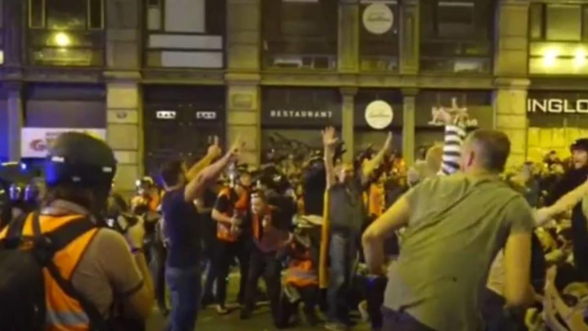 獨派領袖遭判重刑 加泰示威逾52萬群眾上街