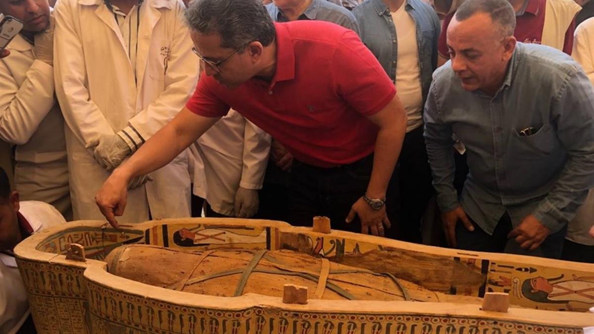 塵封3000年!埃及新出土30具完整木乃伊