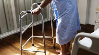 看病花錢 老人卻超愛住院?網曝超好賺原因