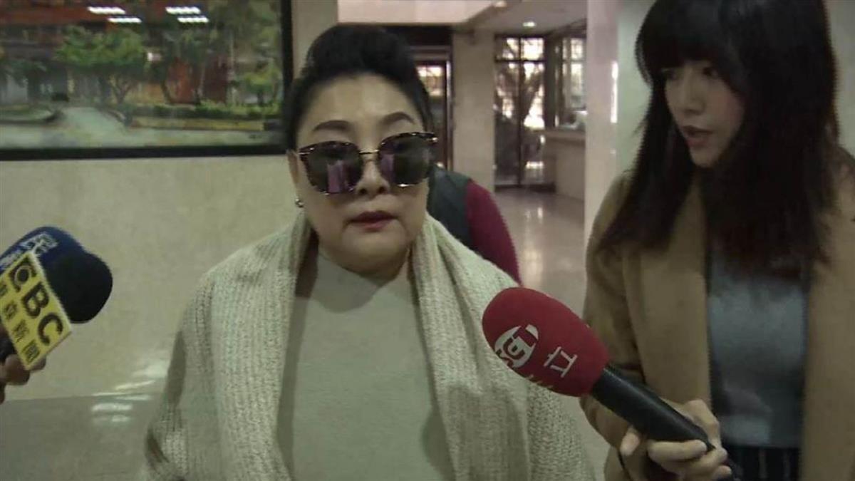 66歲陳盈潔爆中風…無法唱歌!賀一航神救援