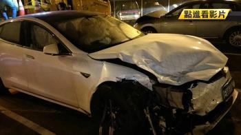 首例特斯拉自駕撞警車 沒危險駕駛、非故意獲不起訴