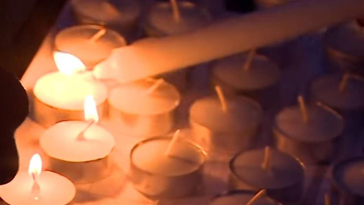 英國貨車39屍案:民眾燭光悼念 卡車司機揭駭人現況