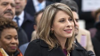 美國雙性戀女議員陷性醜聞辭職 堅決否認出軌