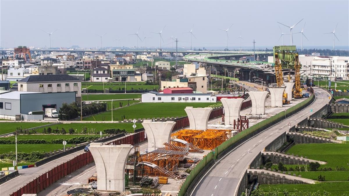 蘇貞昌:西濱快速公路109年春節前完工通車