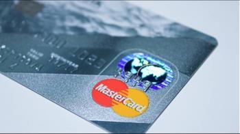 信用卡頂級中階怎麼選?網專業分析:辦這張就好