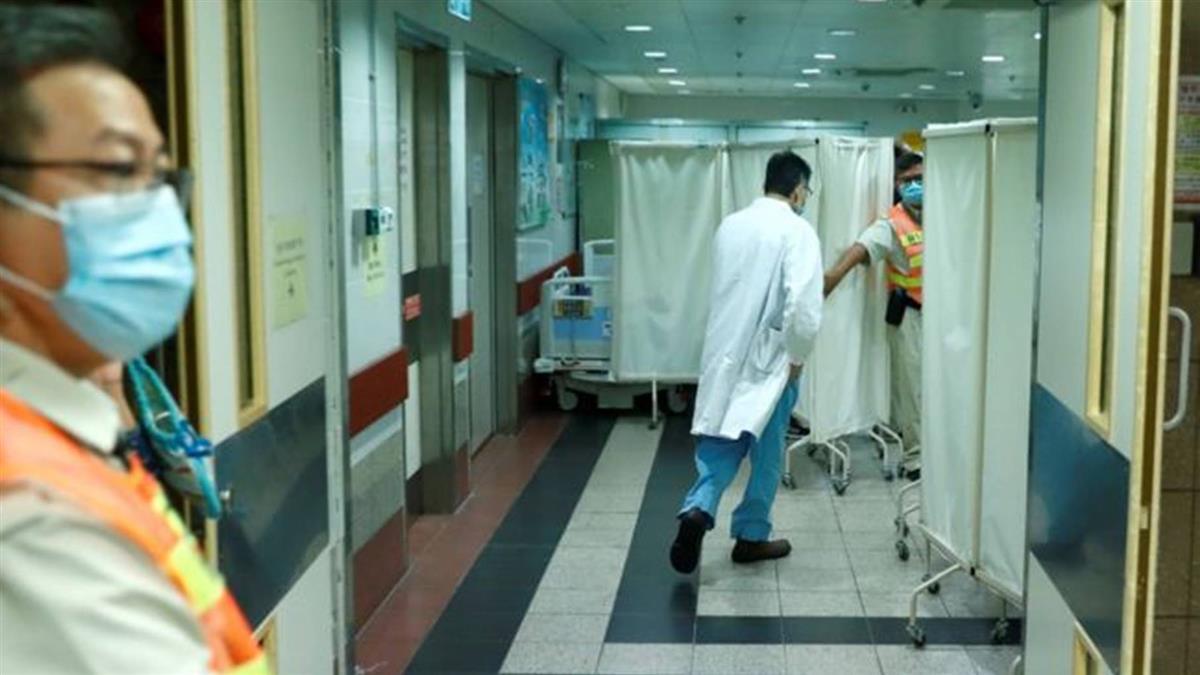 周梓樂:香港「反送中」示威衝突中墮樓大學生搶救五日後死亡