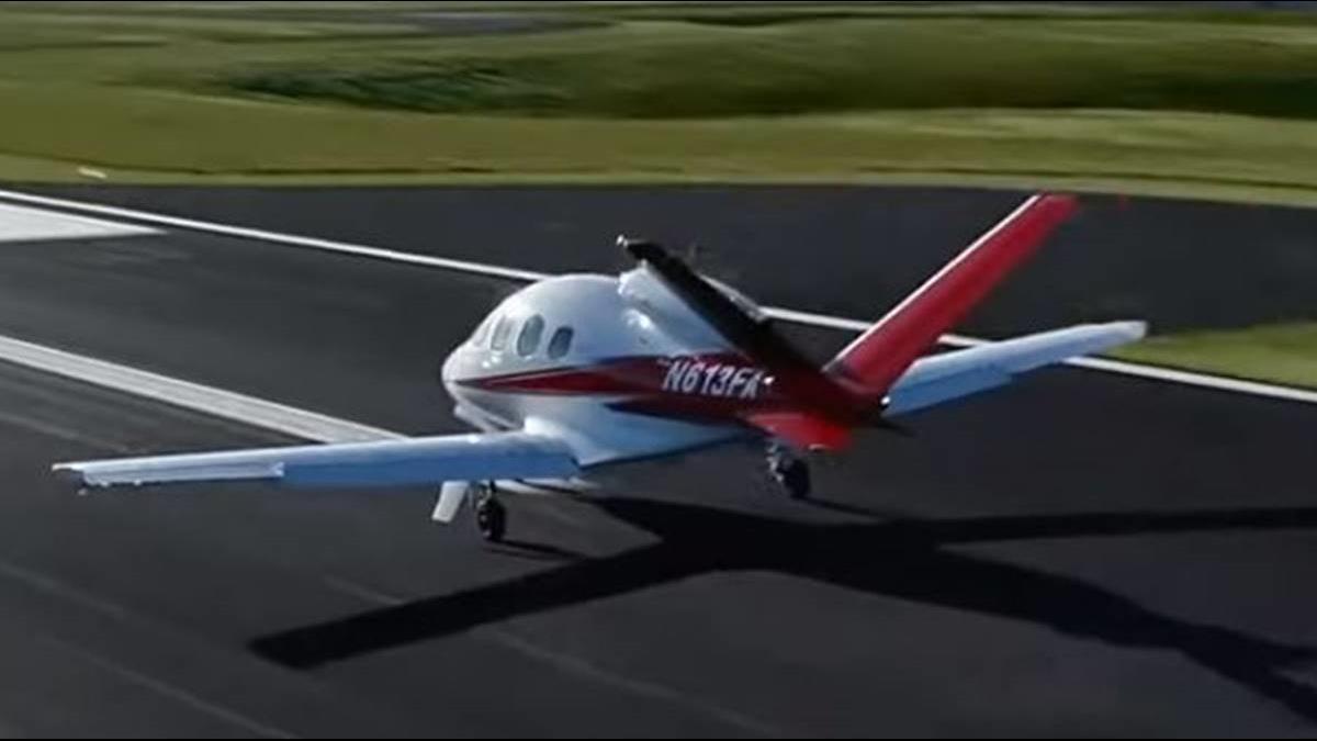 美手錶品牌出飛機?! 還推出一鍵自動導航降落