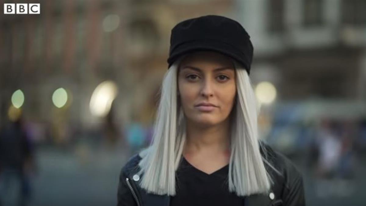 她創作歌曲批評國家 最終被逼離開祖國