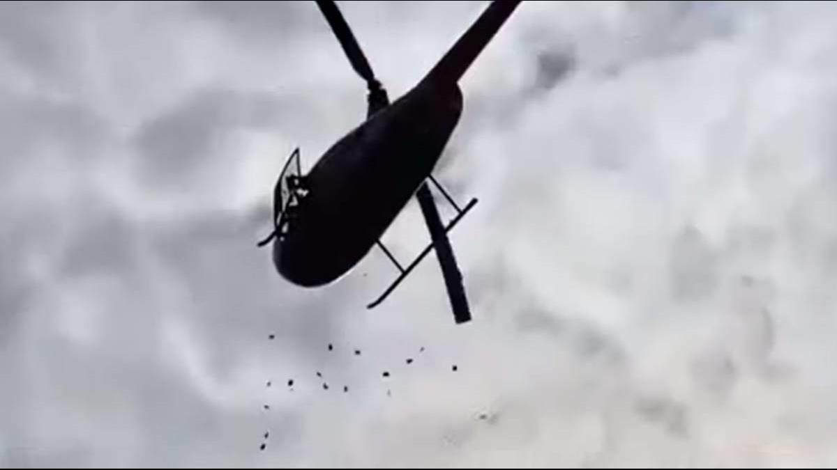 神!陸土豪雇直升機撒錢 會場驚見紅包雨