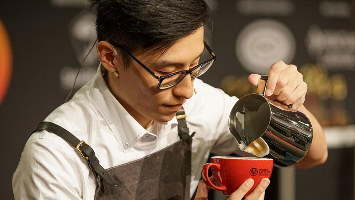 當冠軍遇上冠軍!神人級「咖啡拉花」你捨得喝?