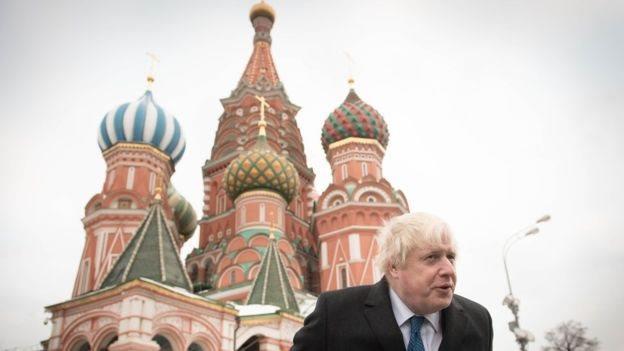 英國首相強森為何也捲入俄羅斯干預爭議
