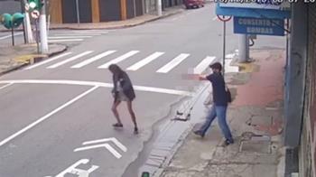 被討7元買飯!他褲頭掏槍…下秒擊斃女街友
