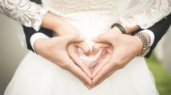 婚禮前突要34萬嫁妝!新娘咬牙籌錢…新郎竟落跑
