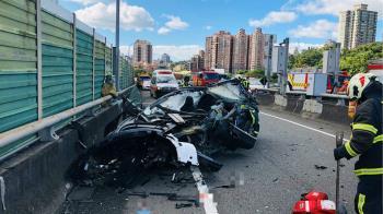特斯拉駕駛墜橋亡!專家揭車輛可能失控原因