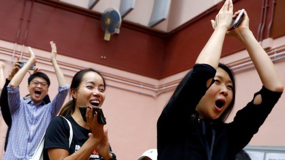 香港區議會選舉 泛民主派大勝原因眾說紛紜