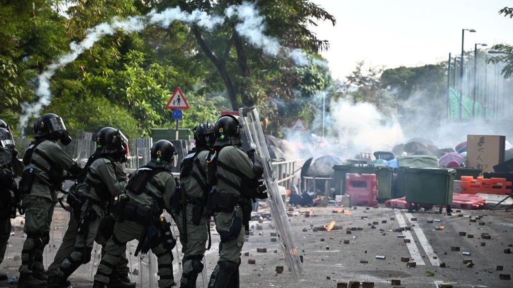 香港示威:台灣學生回憶從港中大「逃難」,凌晨三四點緊急離校