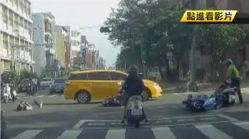 台南連環車禍 小黃闖紅燈撞飛騎士釀2傷