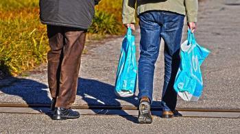 塑膠袋非環保殺手? 發明家揭初衷:救環境