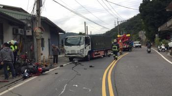 泰山死亡車禍 重機騎士跨雙黃線撞貨車亡
