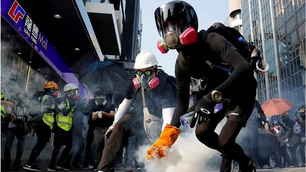 香港示威:年輕學生的精神健康令人擔憂