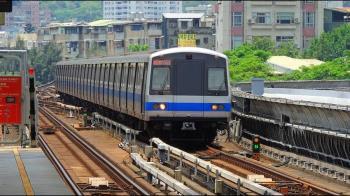 日本捷運乘客水準大勝台灣?旅日台人揭真相:會被撞上車