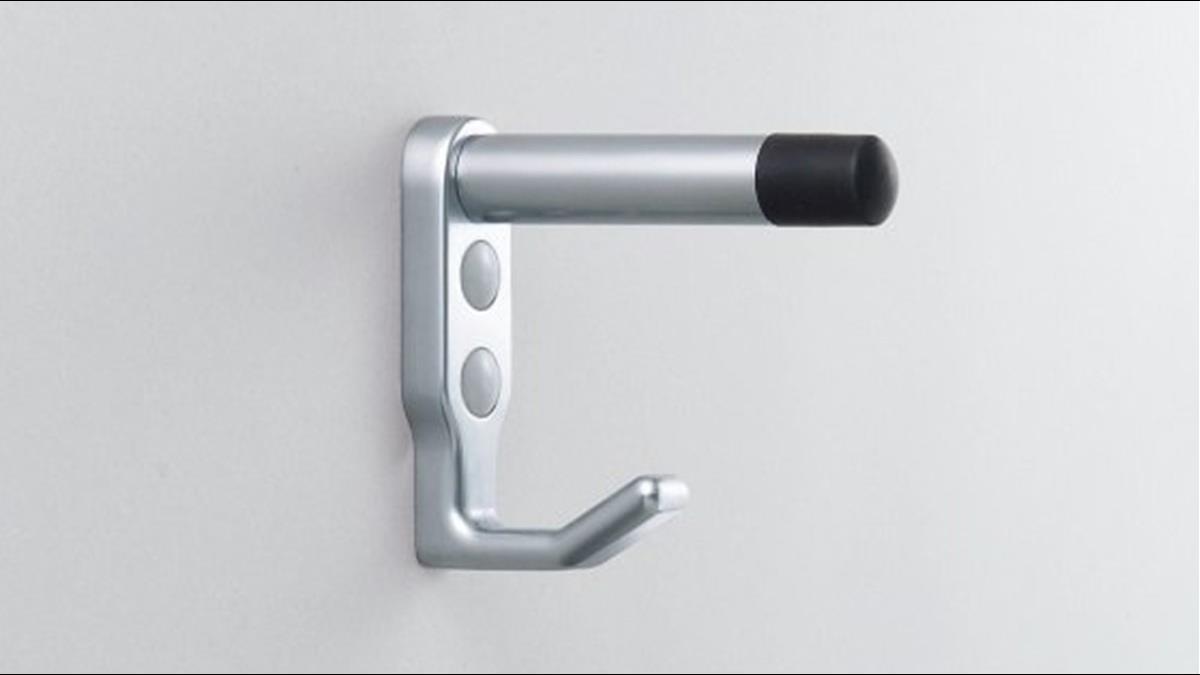 廁所門2層掛勾藏玄機 他曝隱藏用途:不只當門擋
