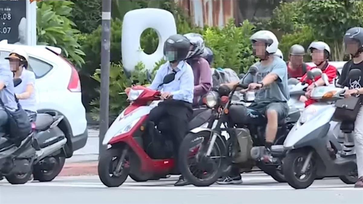 熱褲妹龜速騎車 他跟後面竟被嗆:想幹嘛