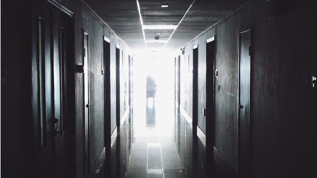 23歲女護理師怒罵愛滋病患 下場超慘烈