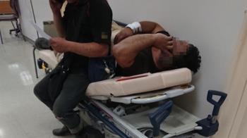 工人被車撞送急診 不敢躺病床原因惹鼻酸