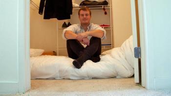 挪威科技公司創始人:「我在衣櫃裏睡了三月」