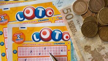 向賭博弟證明不易中獎 他買彩券20天後中2.8億